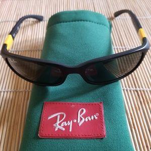 Raybans sunglasses
